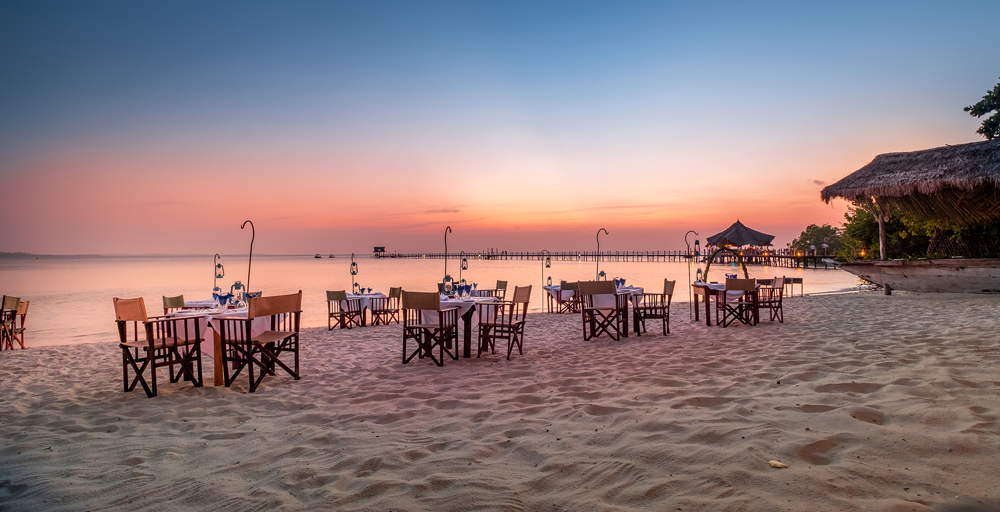 Tanzania-Fundu-Lagoon-Beach-Dining