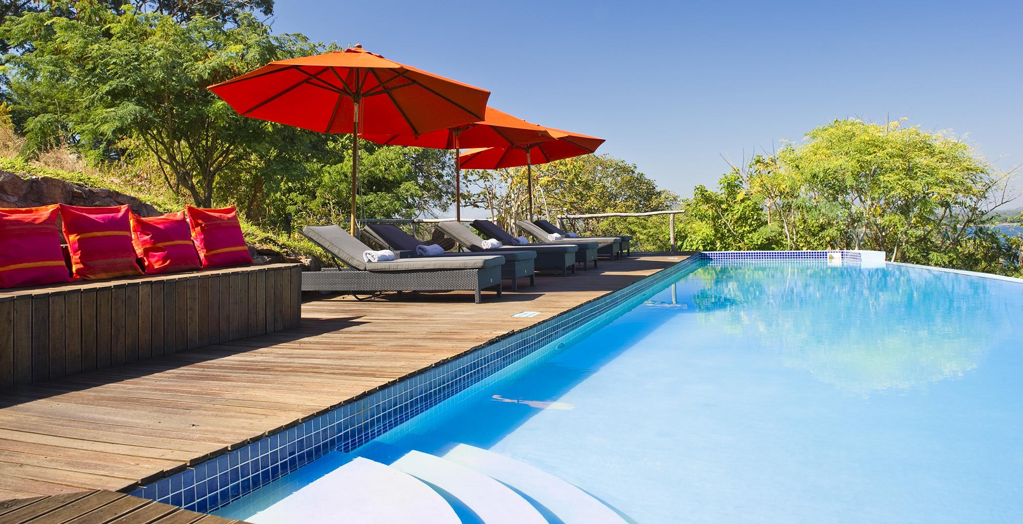 Lake-Malawi-Pumulani-Beach-Lodge-Swimming-Pool