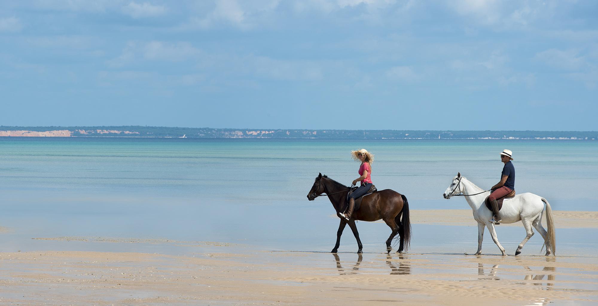 Mozambique-Bazaruto-Archipelago-Benguerra-Island-Lodge-Beach-Ride
