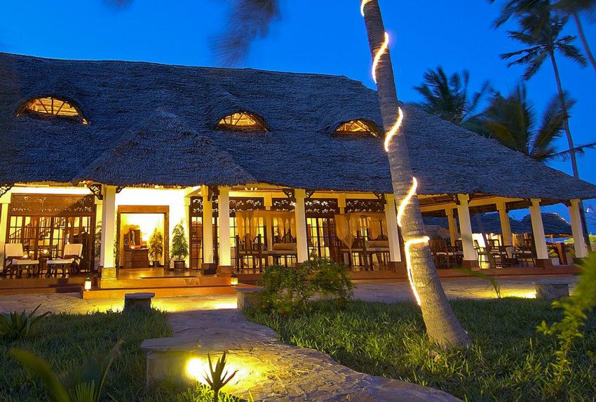 Tanzania-Palms-Hotel-Exterior