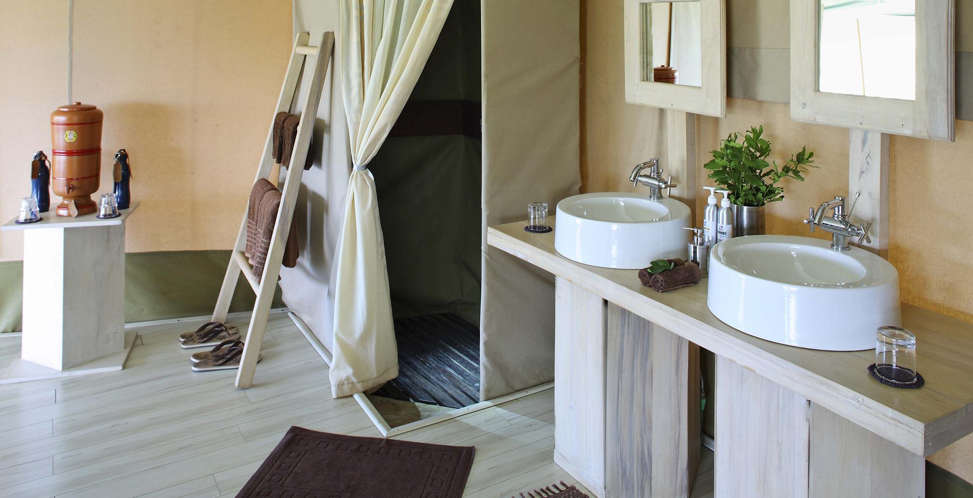 Kenya-Kicheche-Valley-Camp-Bathroom