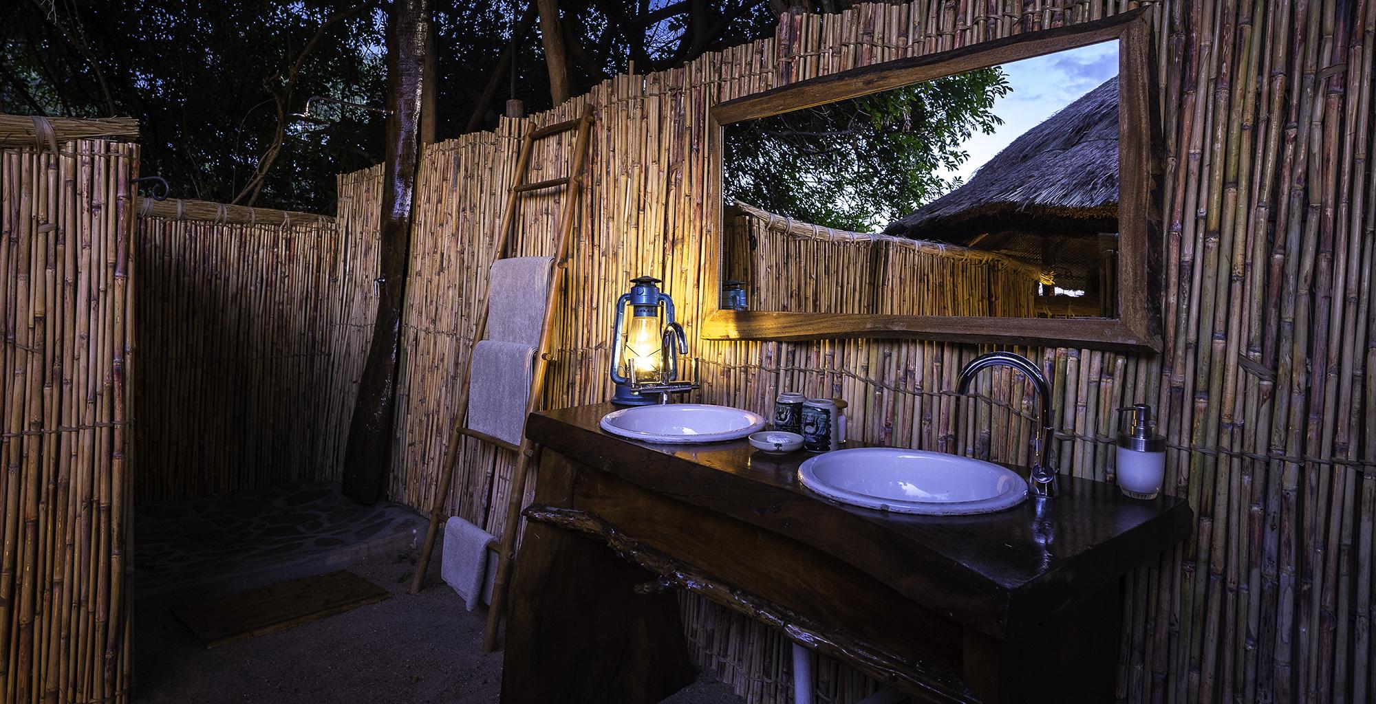 Zambia-Kuyenda-Bathroom