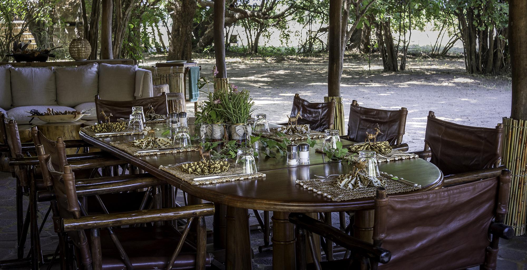 Zambia-Kuyenda-Dining