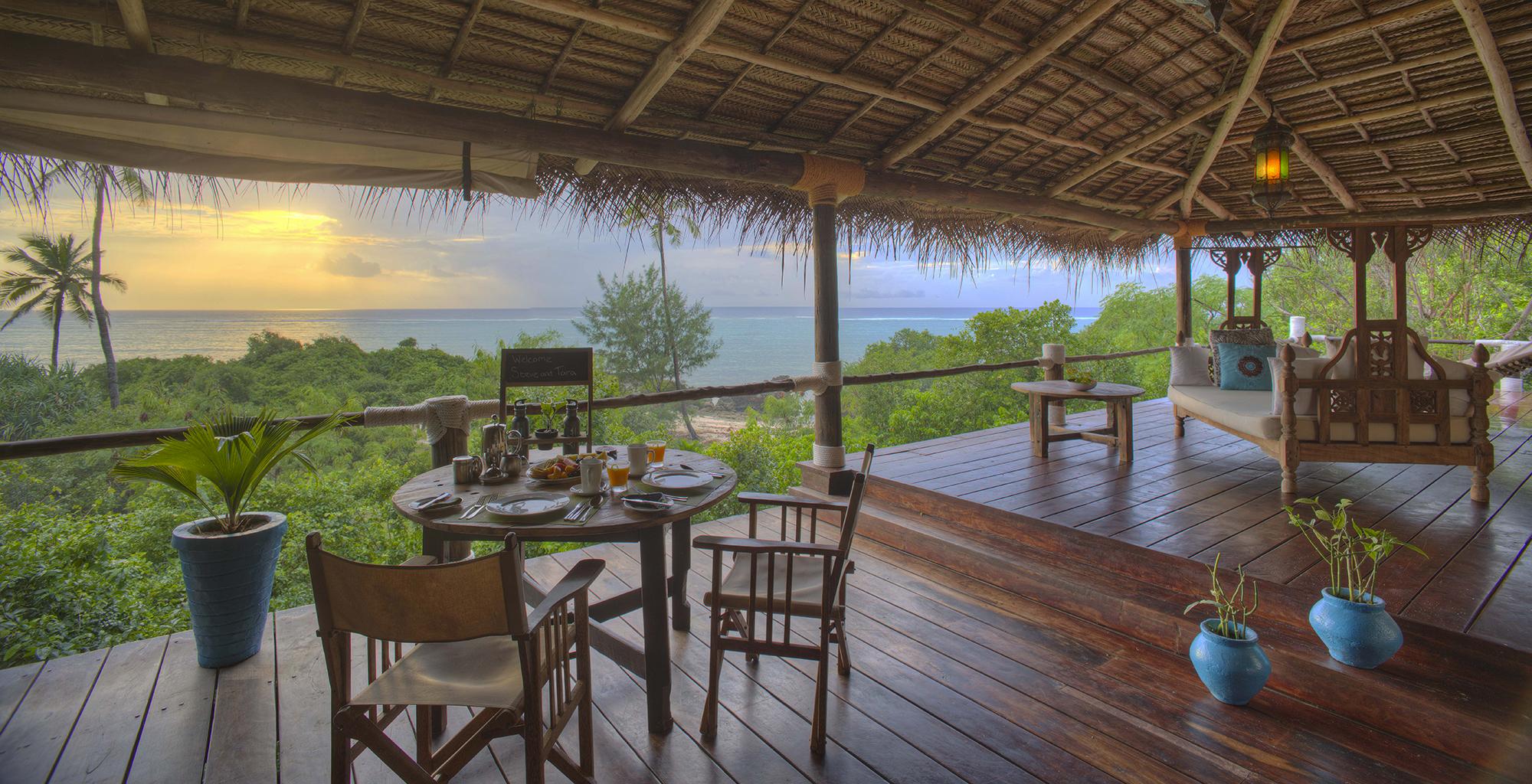 Tanzania-Matemwe-Retreat-Deck-Dining