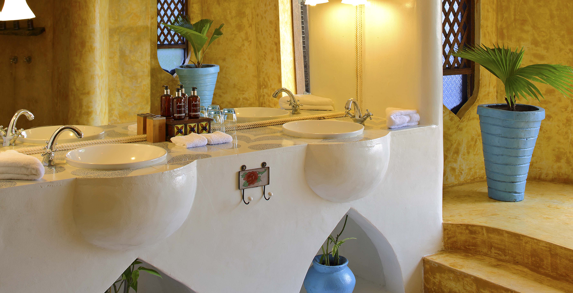 Tanzania-Matemwe-Retreat-Bathroom-Sink