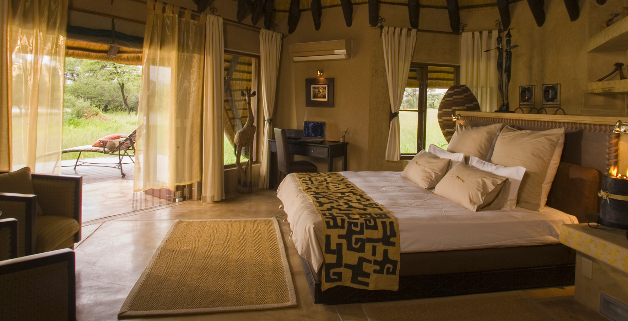 Namibia-Okonjima-Villa-Bedroom