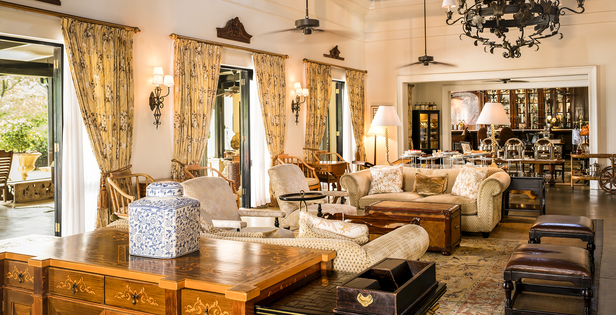 Zamnia-Royal-Livingstone-Lounge