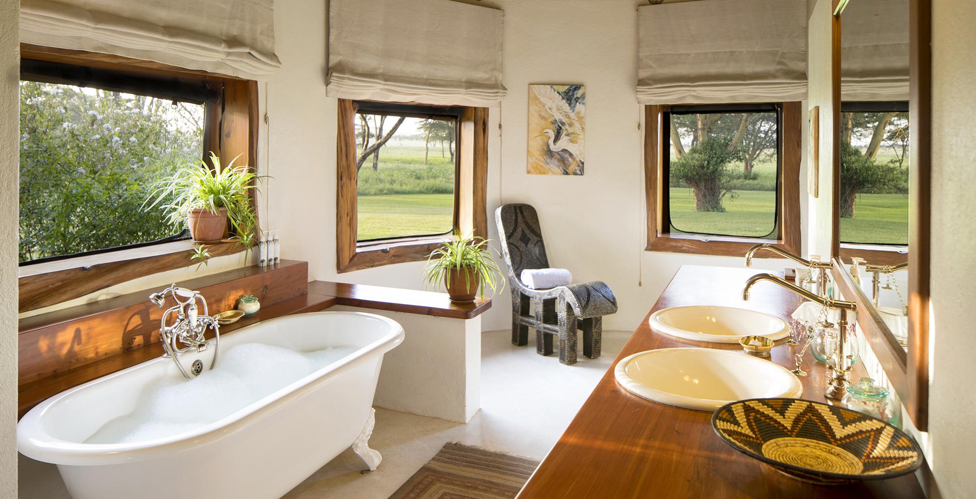 Kenya-Sirikoi-House-Bathroom