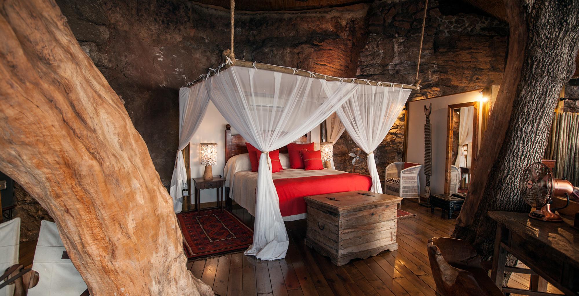 Zambia-Tongabezi-Lodge-Bedroom