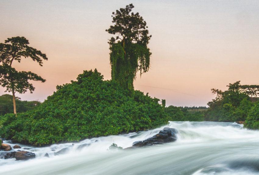 Uganda-Lake-Victoria-Waterfall