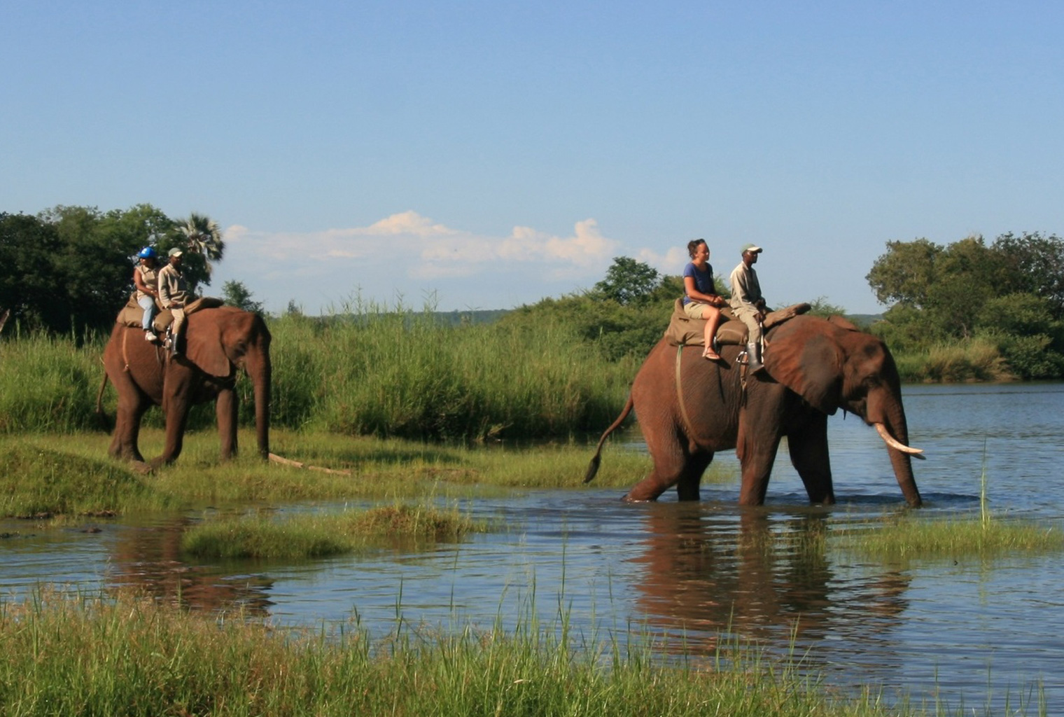 elephant-back-safaris-The-River-Club-Lodge