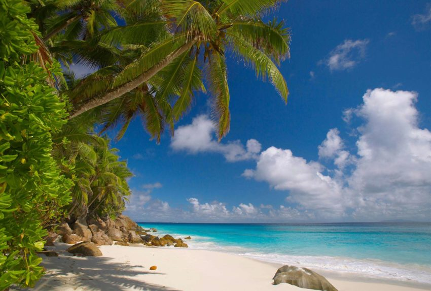fregate-island-beaches1