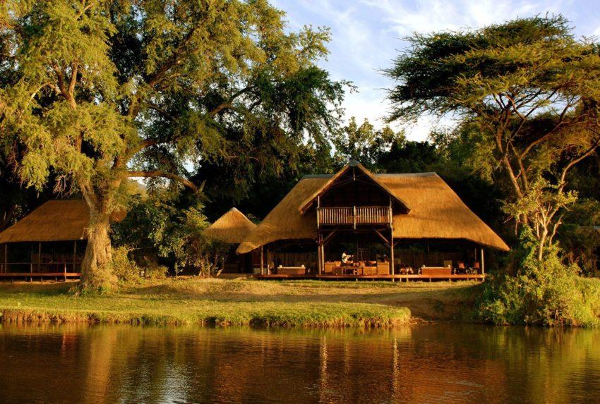 Zambia-Chiawa-Camp-Exterior-Hero