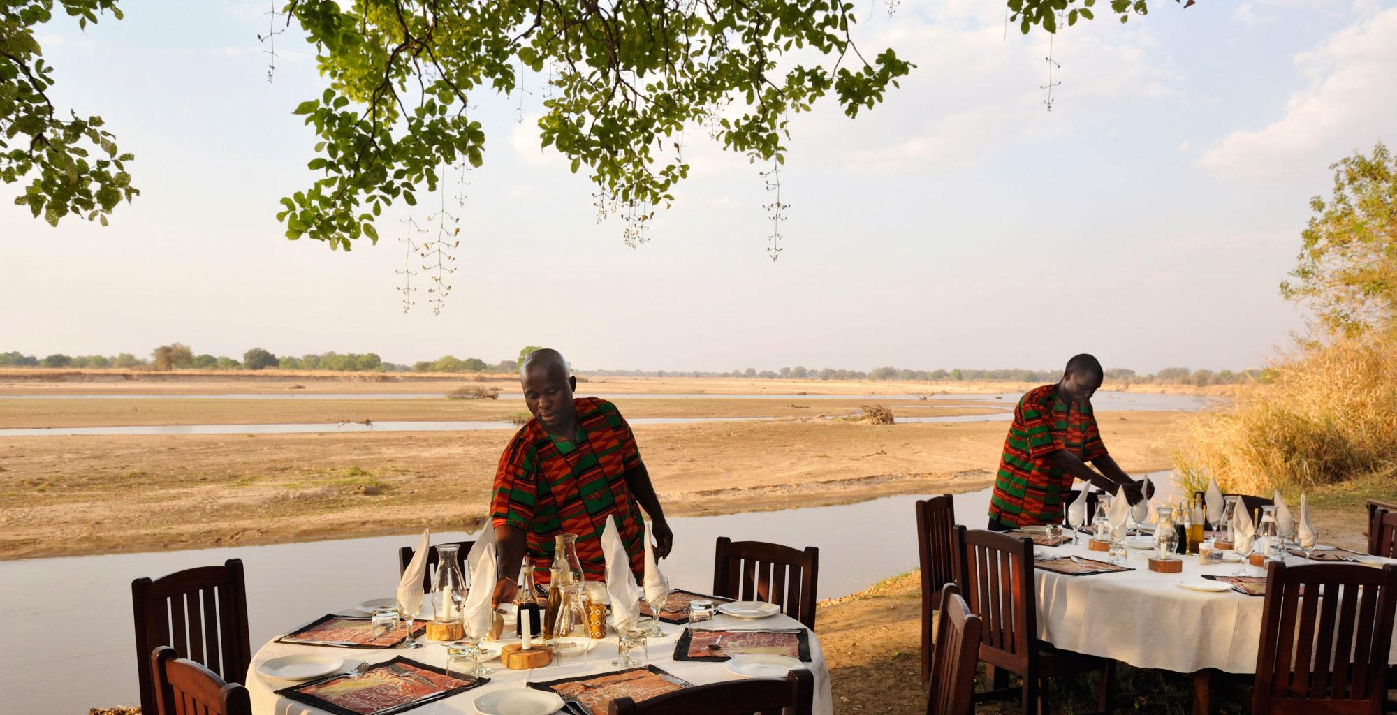 Tafika-camp--Zambia-dining