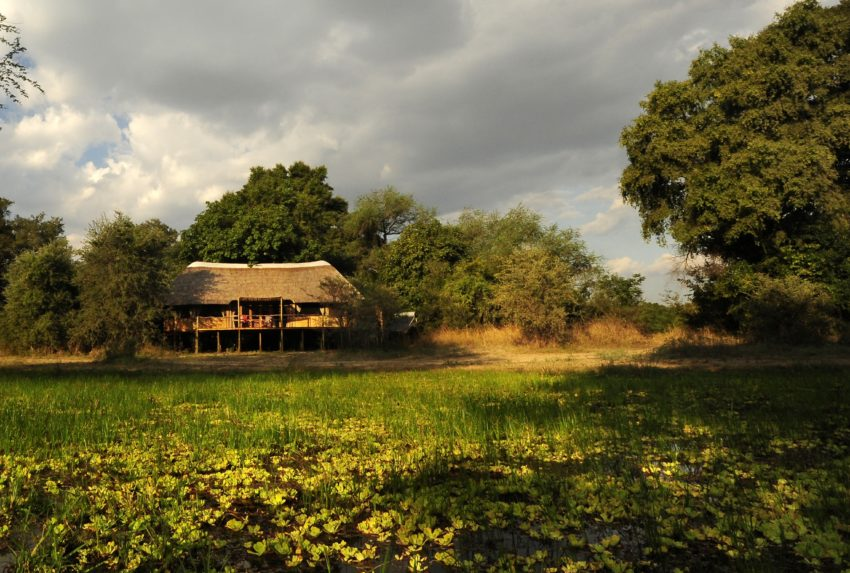 Zambia-Bilimungwe-Bushcamp-Exterior-Hero