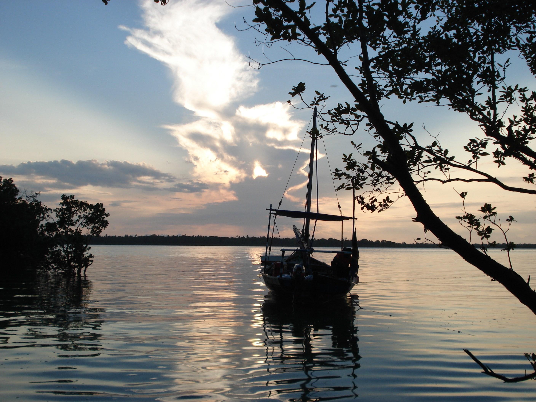 Tanzania-Kinasi-Mafia-Sunset-Sailing