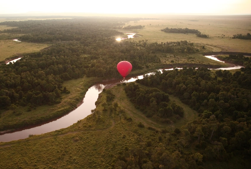 Olarro Balloon over River