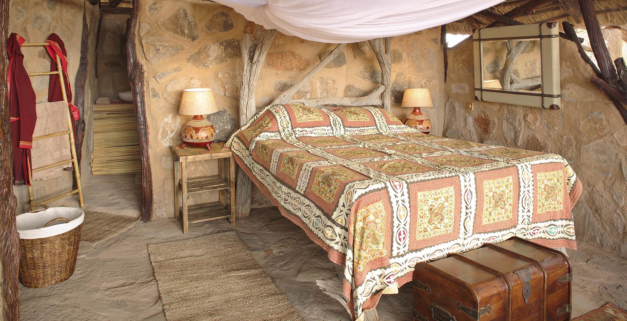 Kenya-Saruni-Rhino-Bedroom