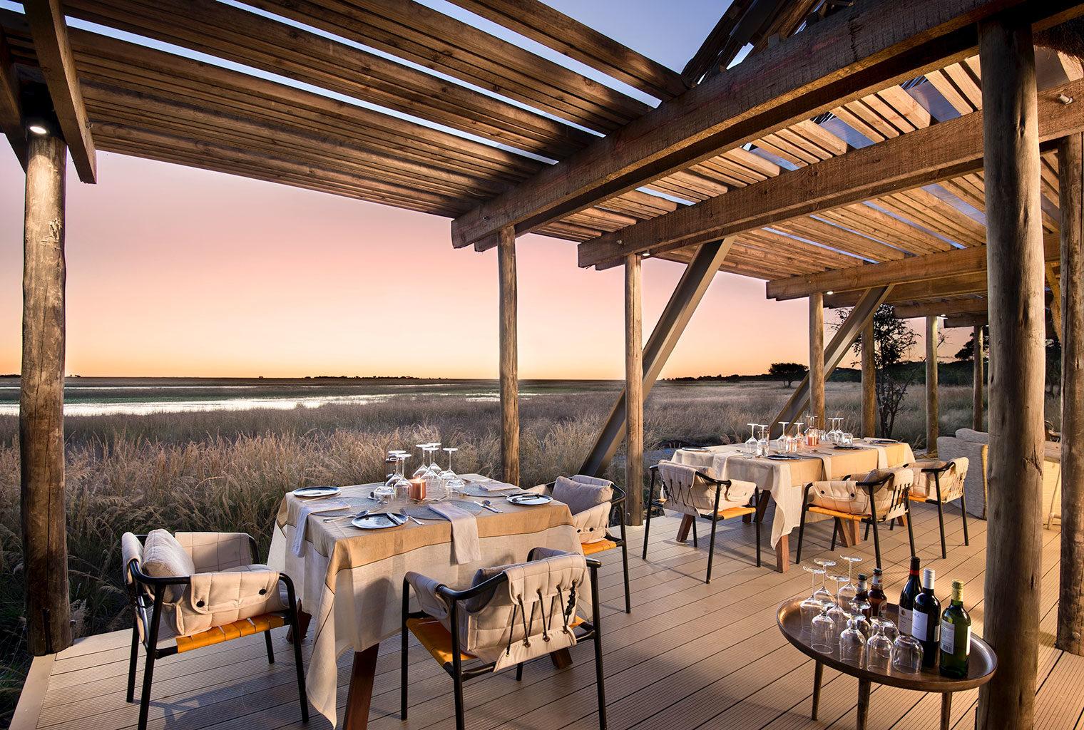 King-Lewanika-Zambia-dining