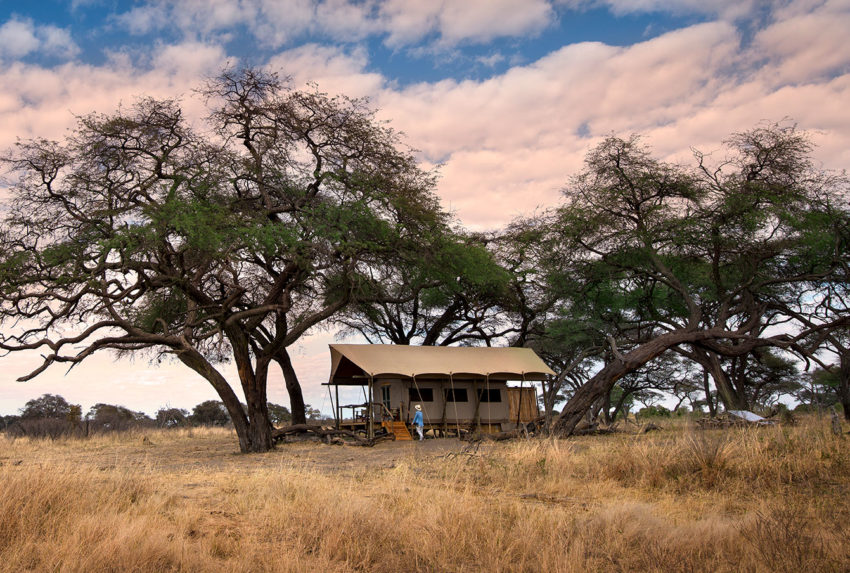 Somalisa-Expeditions-Hwange-Zimbabwe-Sunset-Exterior-Hero