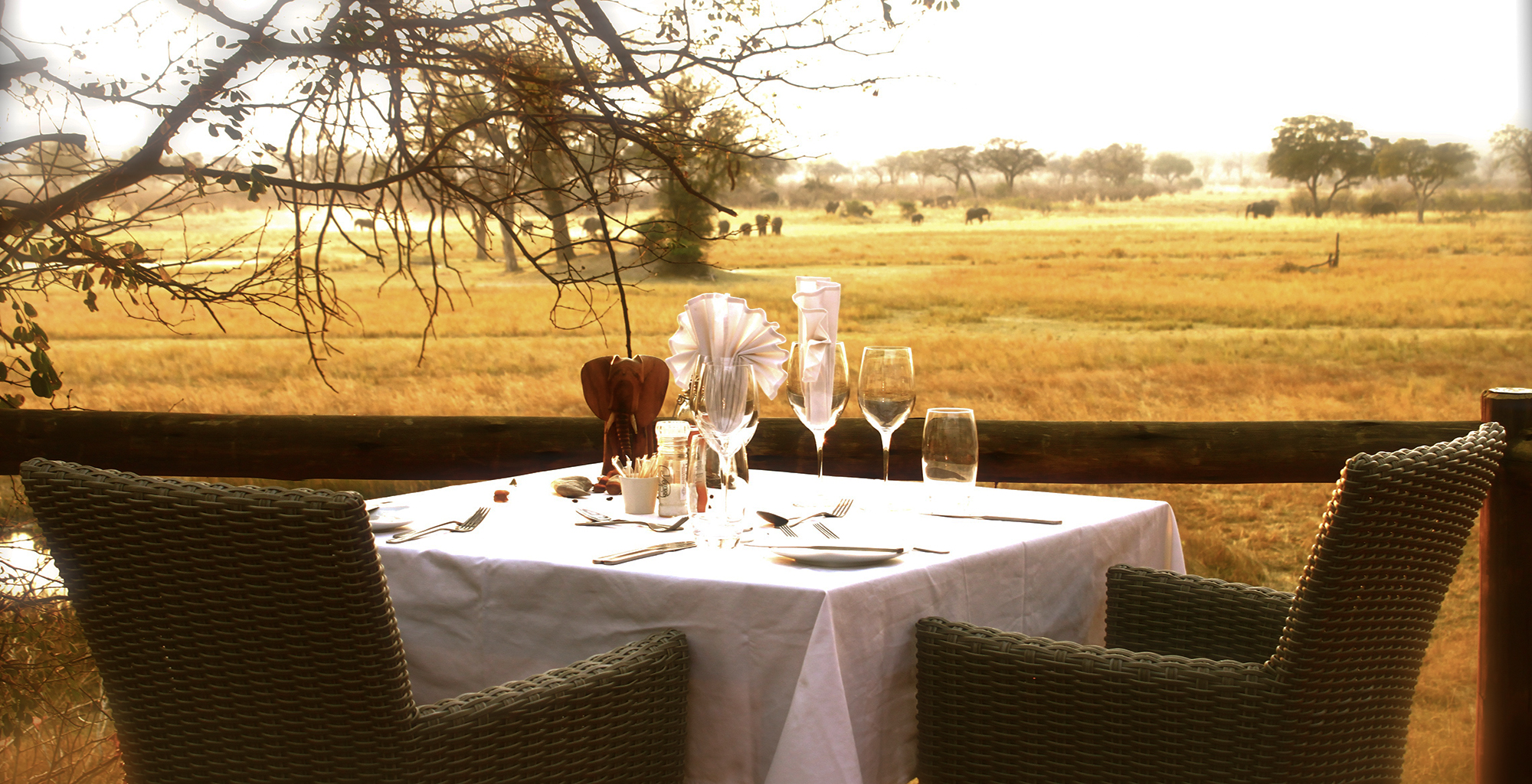 Namibia-Nambwa-Lodge-Dining-Deck