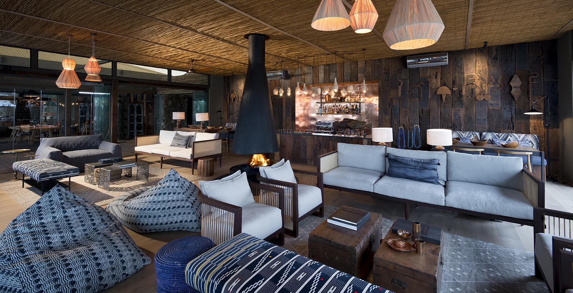 Zambia-Thorntree-River-Lodge-Lounge