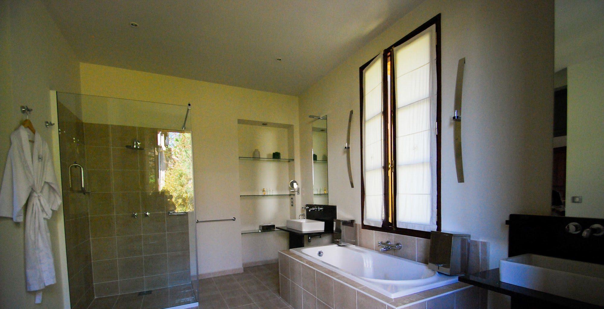 Maison Gallieni Madagascar Bathroom