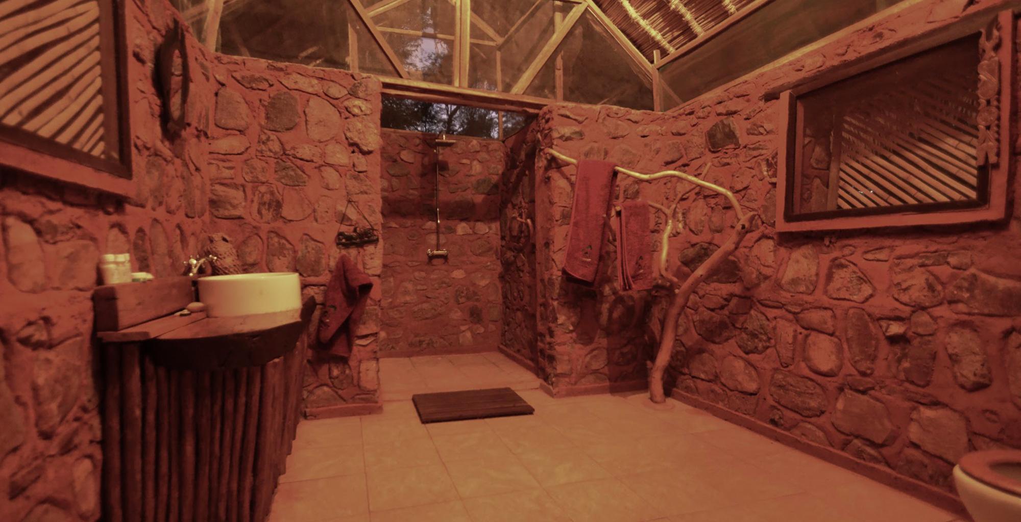 Madagascar-Mandrare-River-Camp-Bathroom