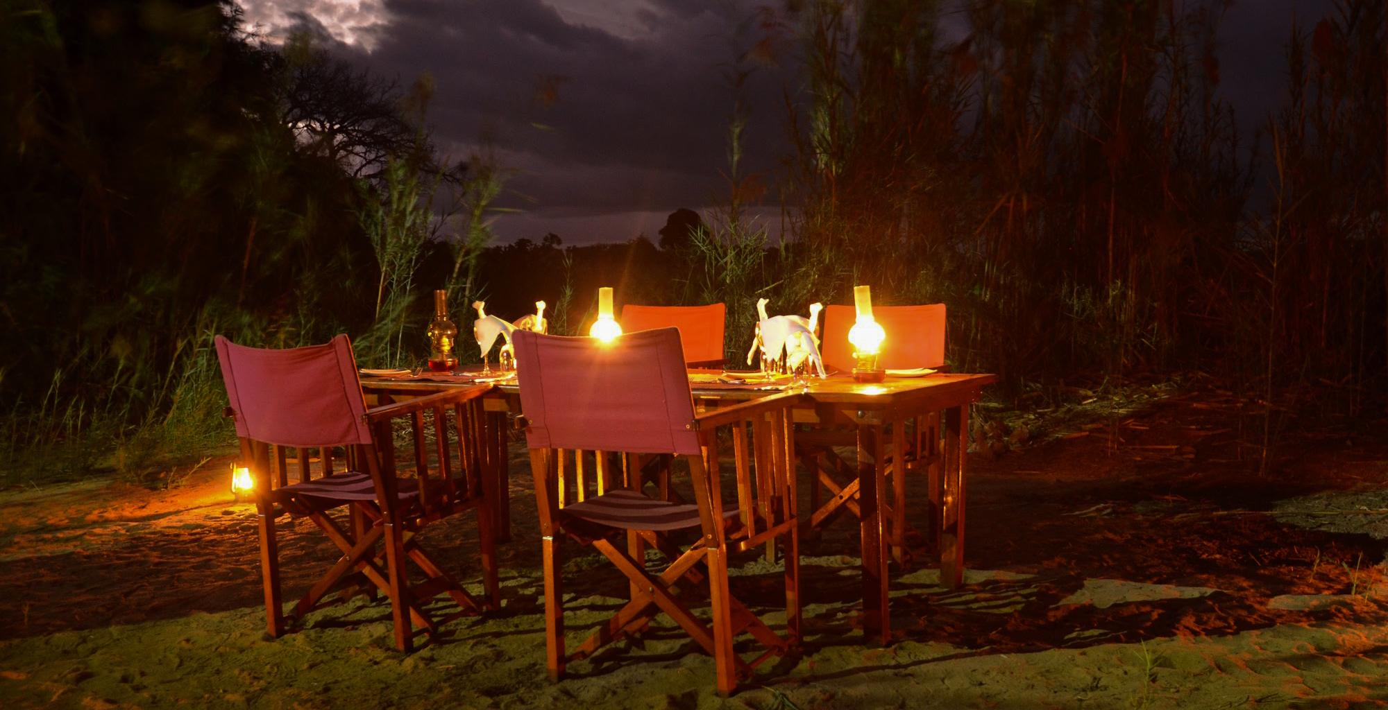 Madagascar-Mandrare-River-Camp-Outdoor-Dining