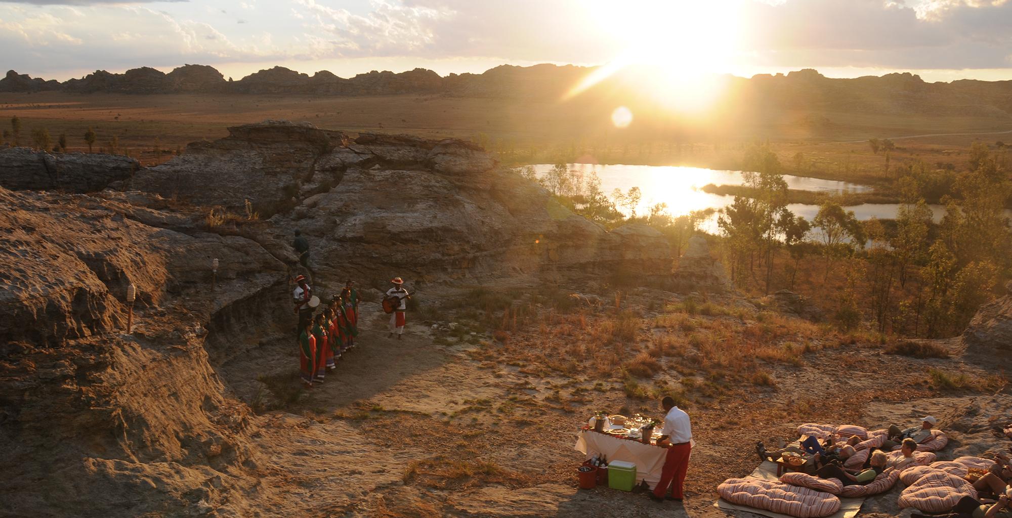 Madagascar-Relais-de-la-Reine-Sunset-Meal