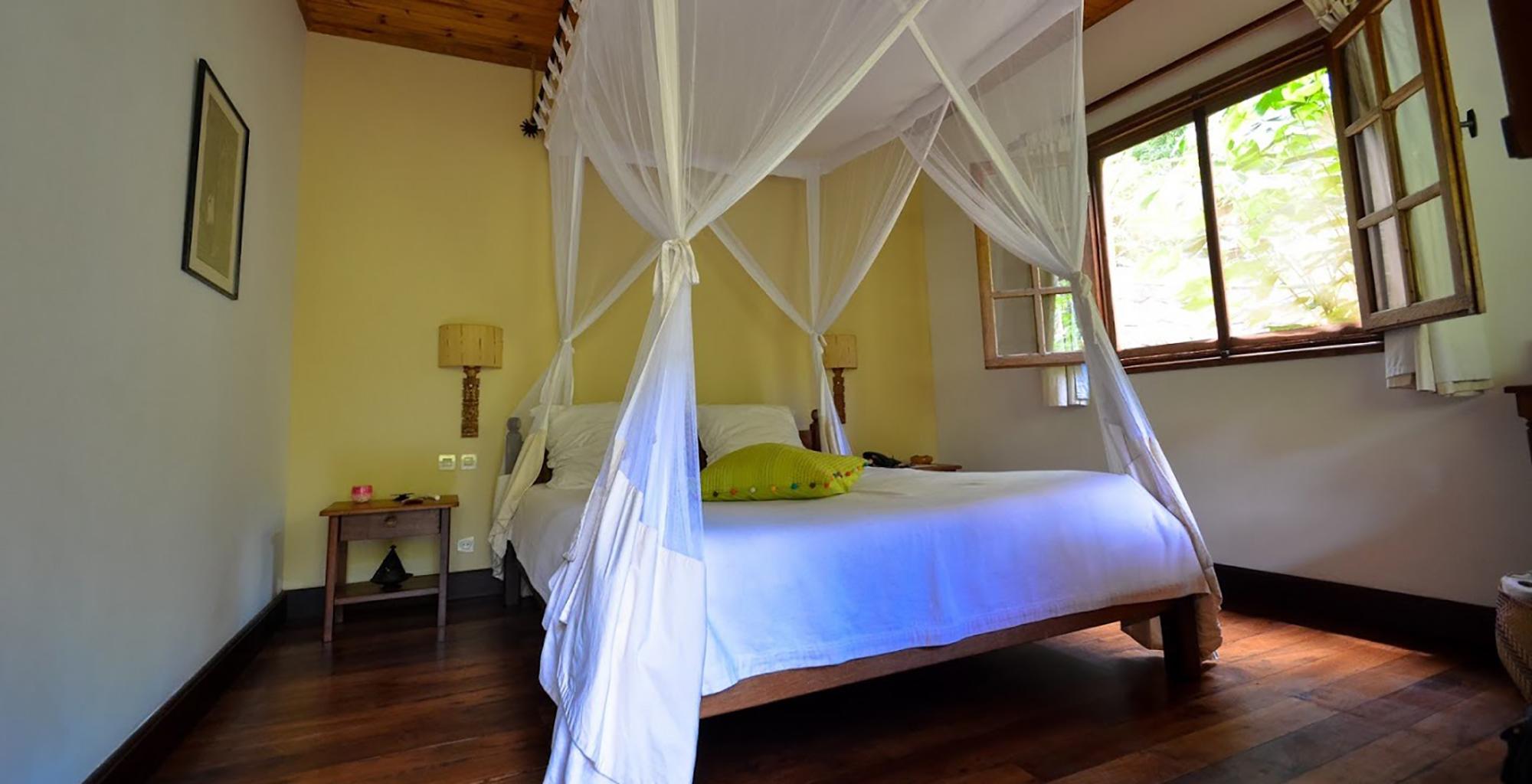 Madagascar-Vakona-Forest-Lodge-Bedroom