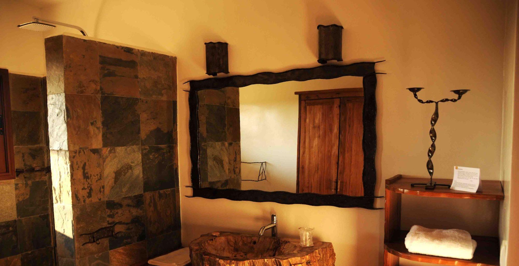 Soleil Des Tsingy Madagascar West Bathroom