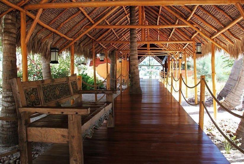 Palissandre-Cote-Ouest-Entrance-West-Madagascar