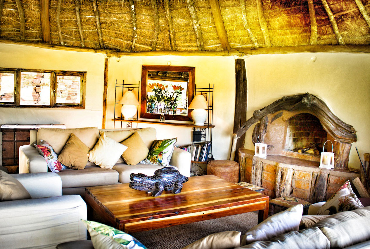 House-In-The-Wild-Maasai-Kenya-Lounge