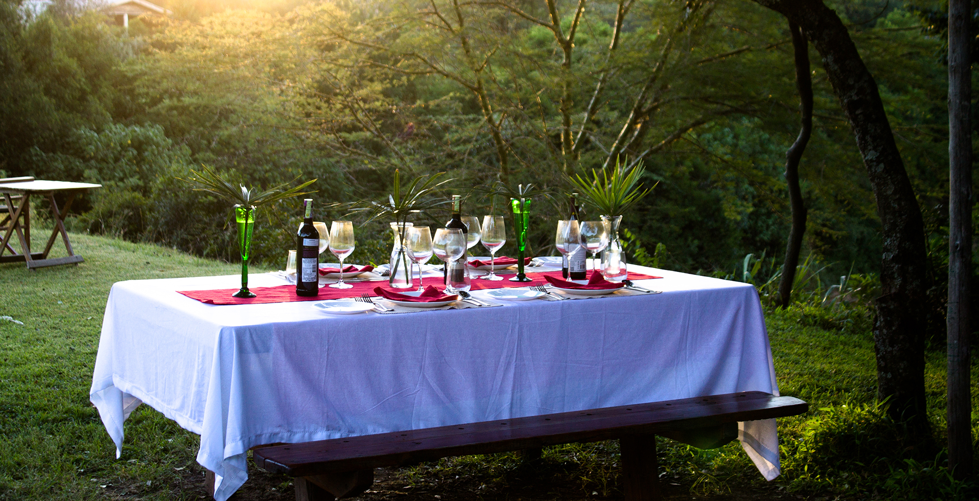 Kenya-Houses-In-The-Wild-Outdoor-Dining