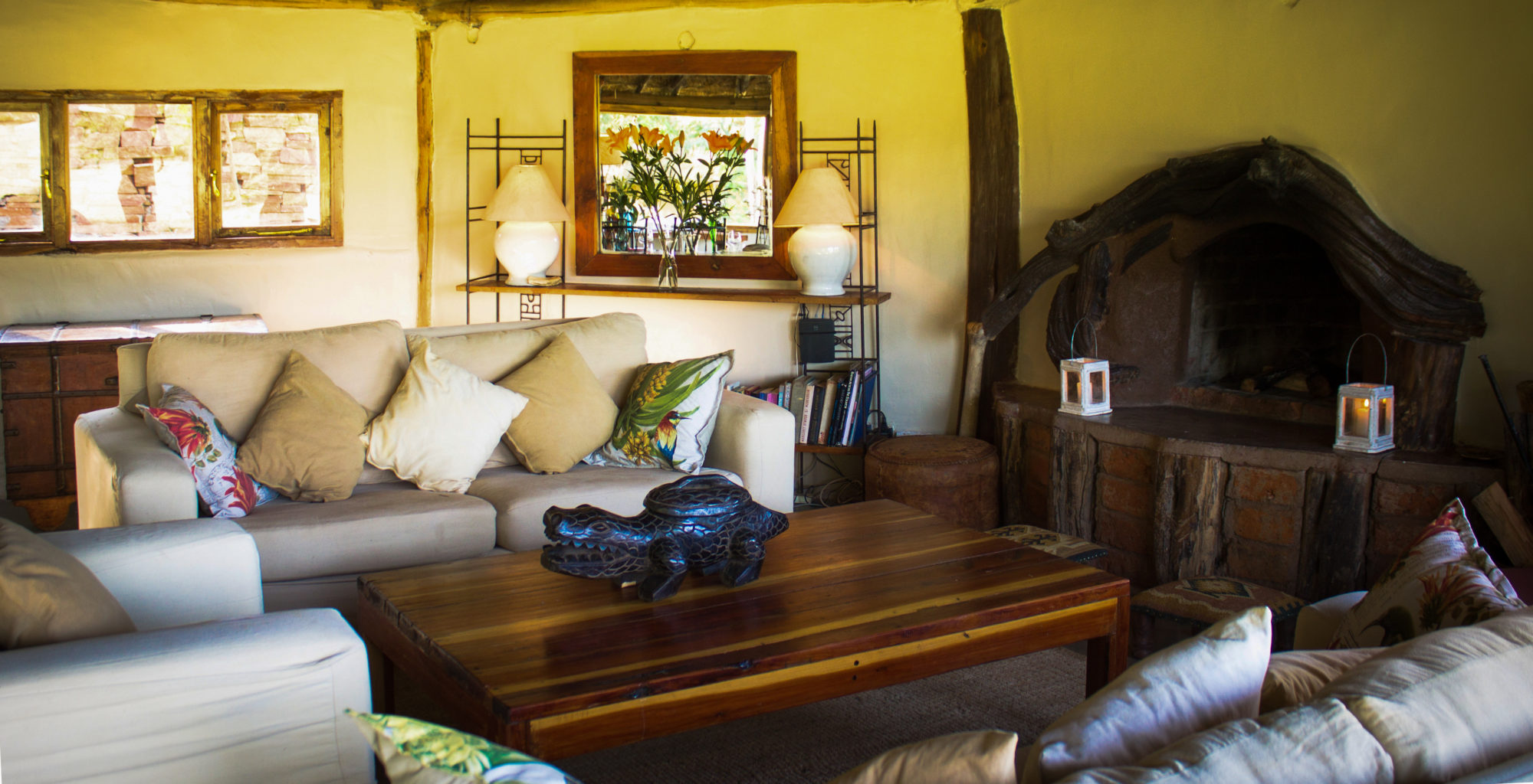 Kenya-Houses-In-The-Wild-Living-Room