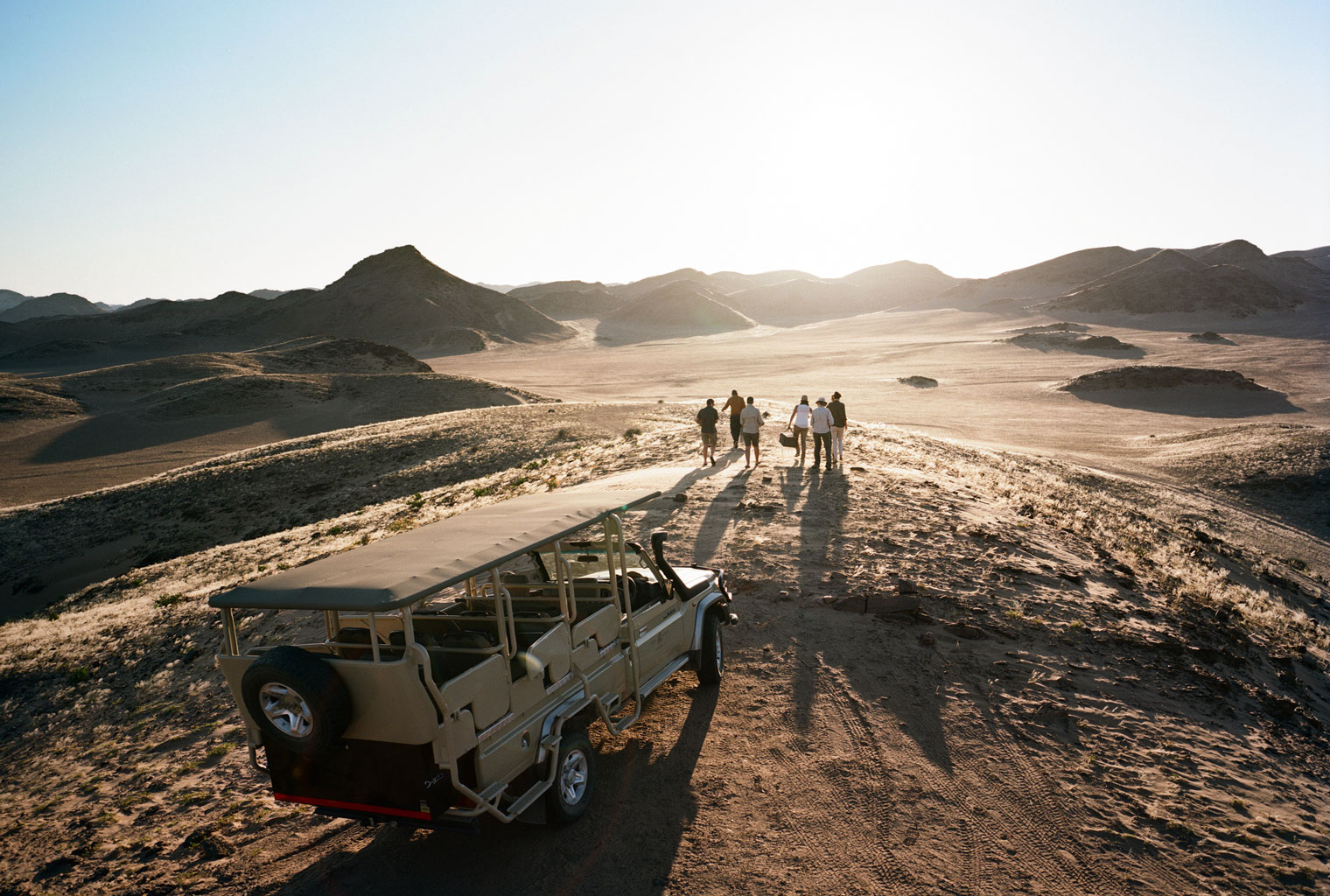 Hoanib-Valley-Camp-Namibia-Kaokoland-Activity-Sundowner