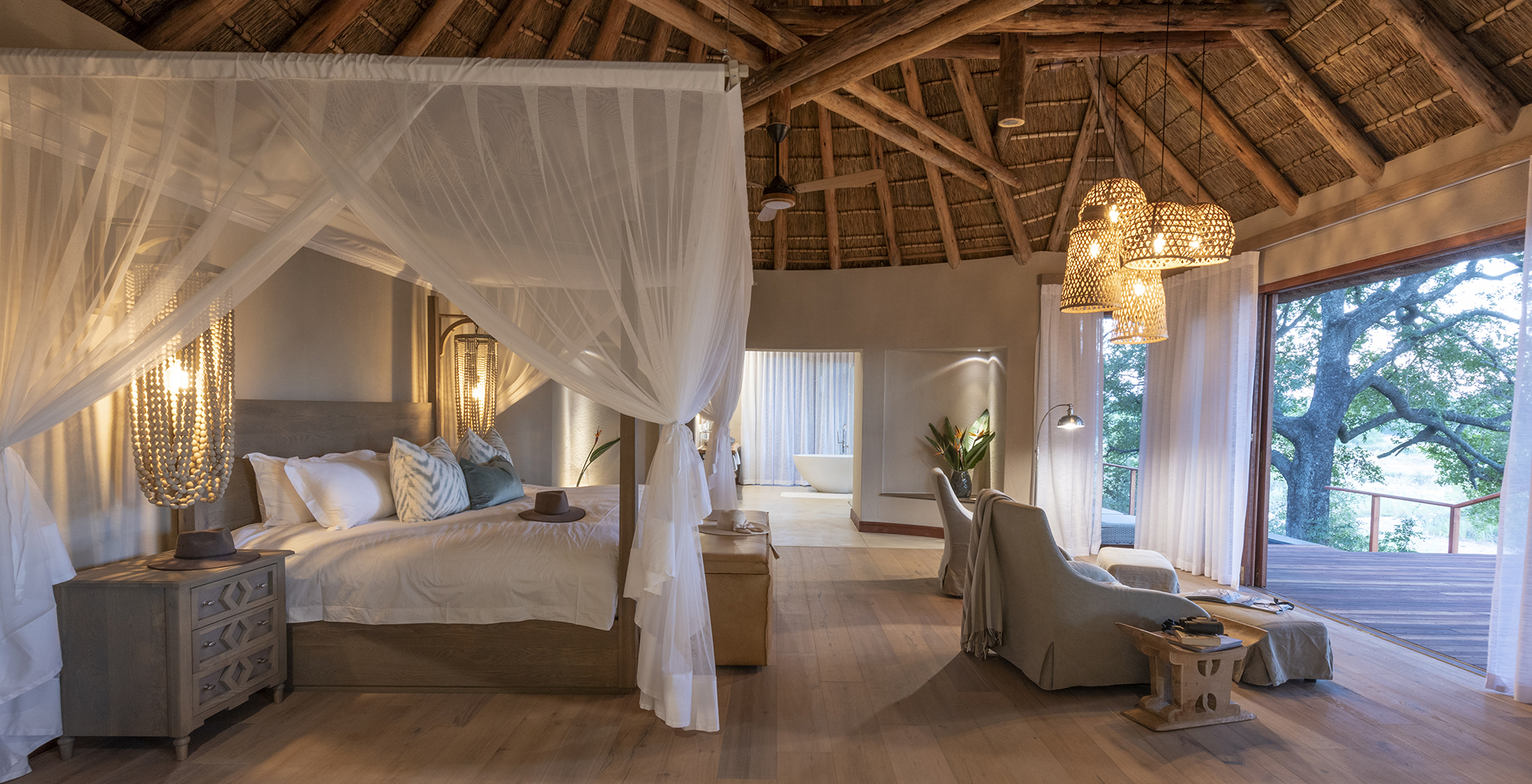 South-Africa-Dulini-River-Lodge-Bedroom