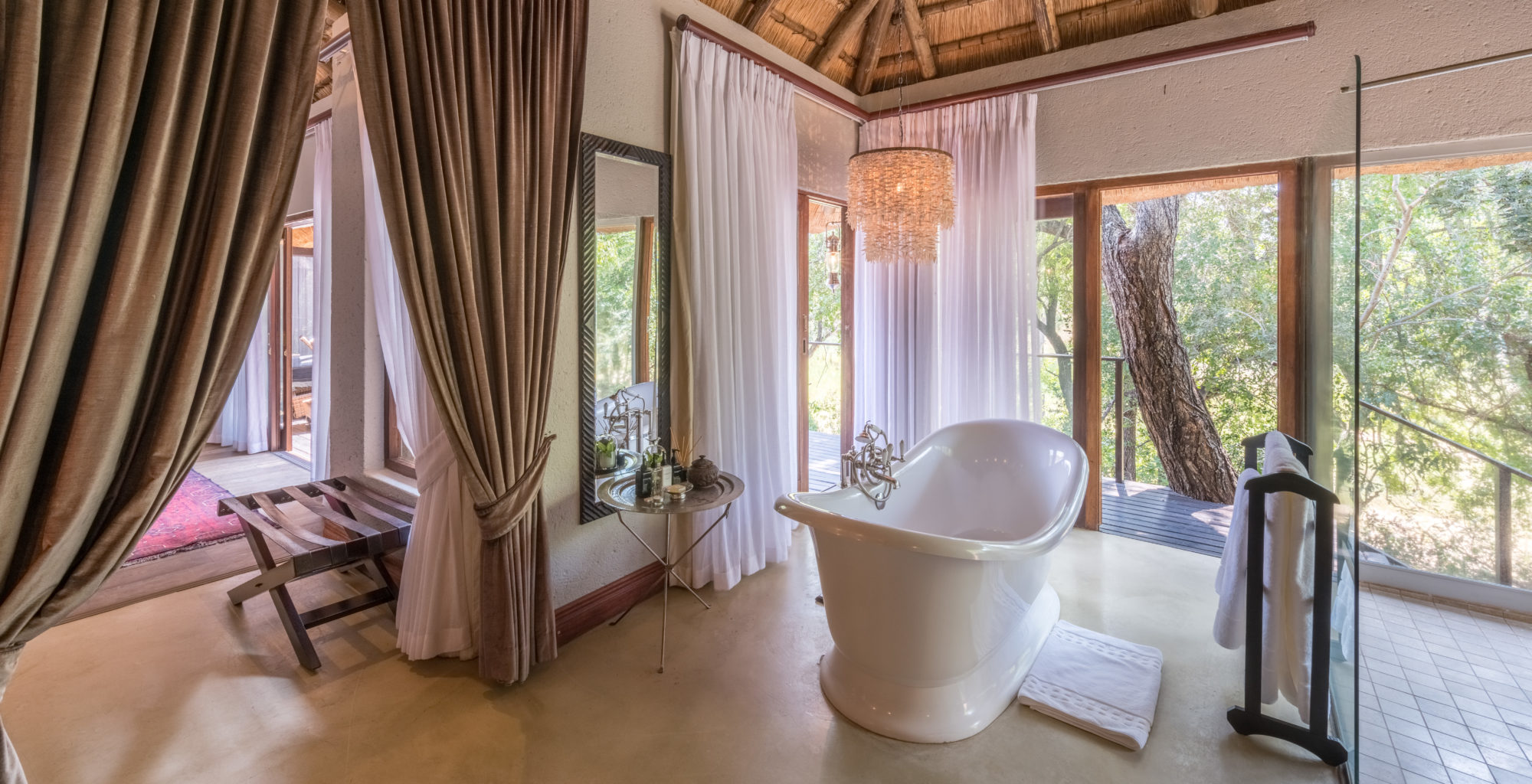 South-Africa-Dulini-Lodge-Bathroom