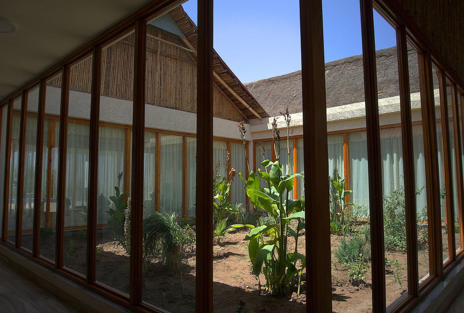 Mezena-Lodge-Lalibela-Ethiopia-Courtyard