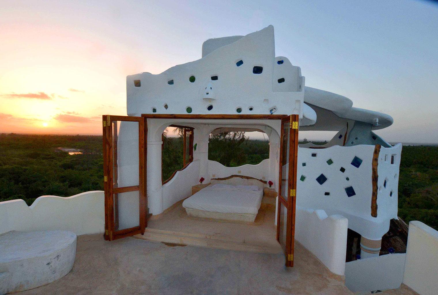 Kenya Watamu Treehouse Starbed