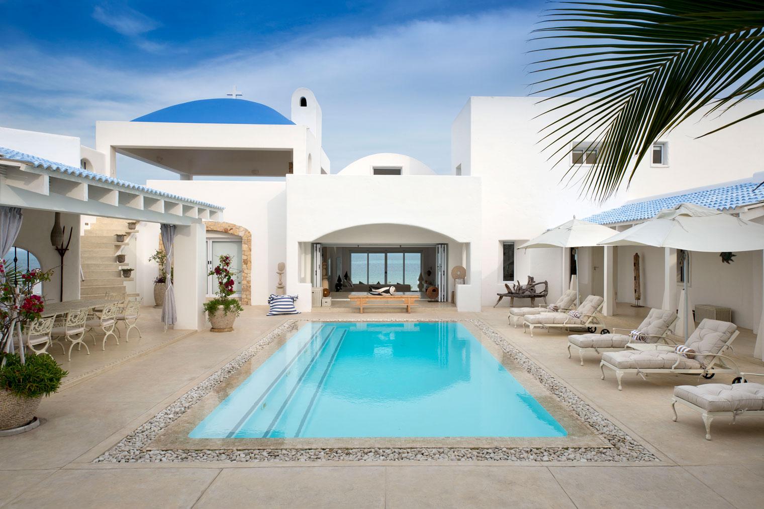Santorini-Mozambique-Main-Pool-Area