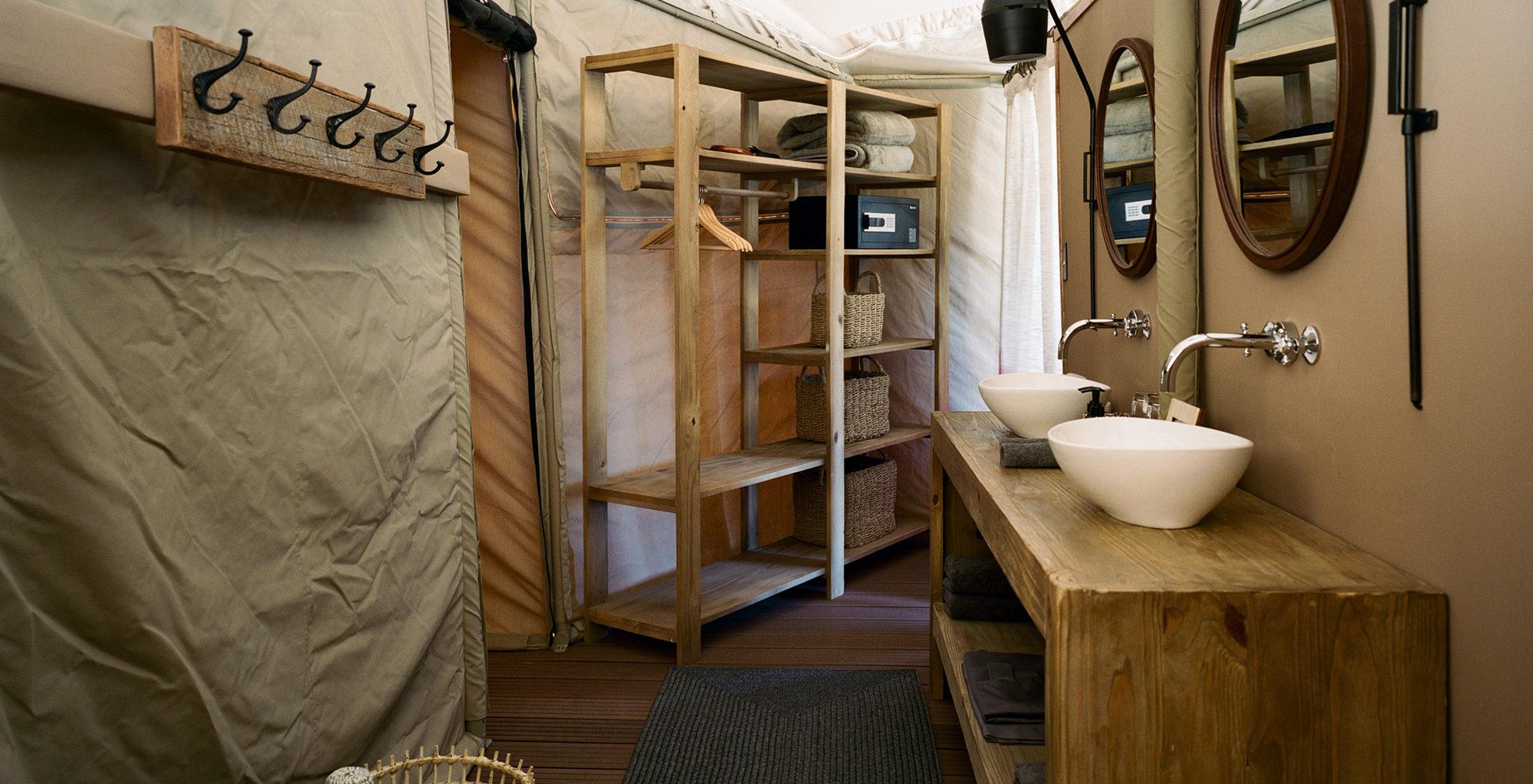Namibia-Hoanib-Valley-Camp-Bathroom