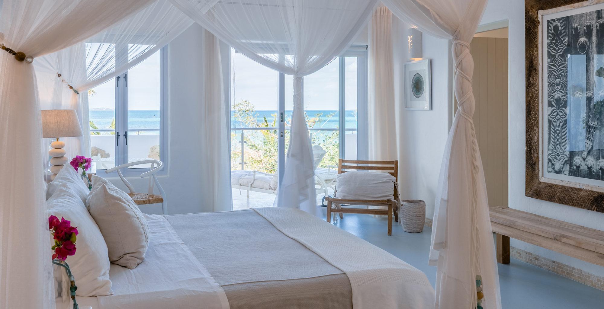 Mozambique-Santorini-Bedroom