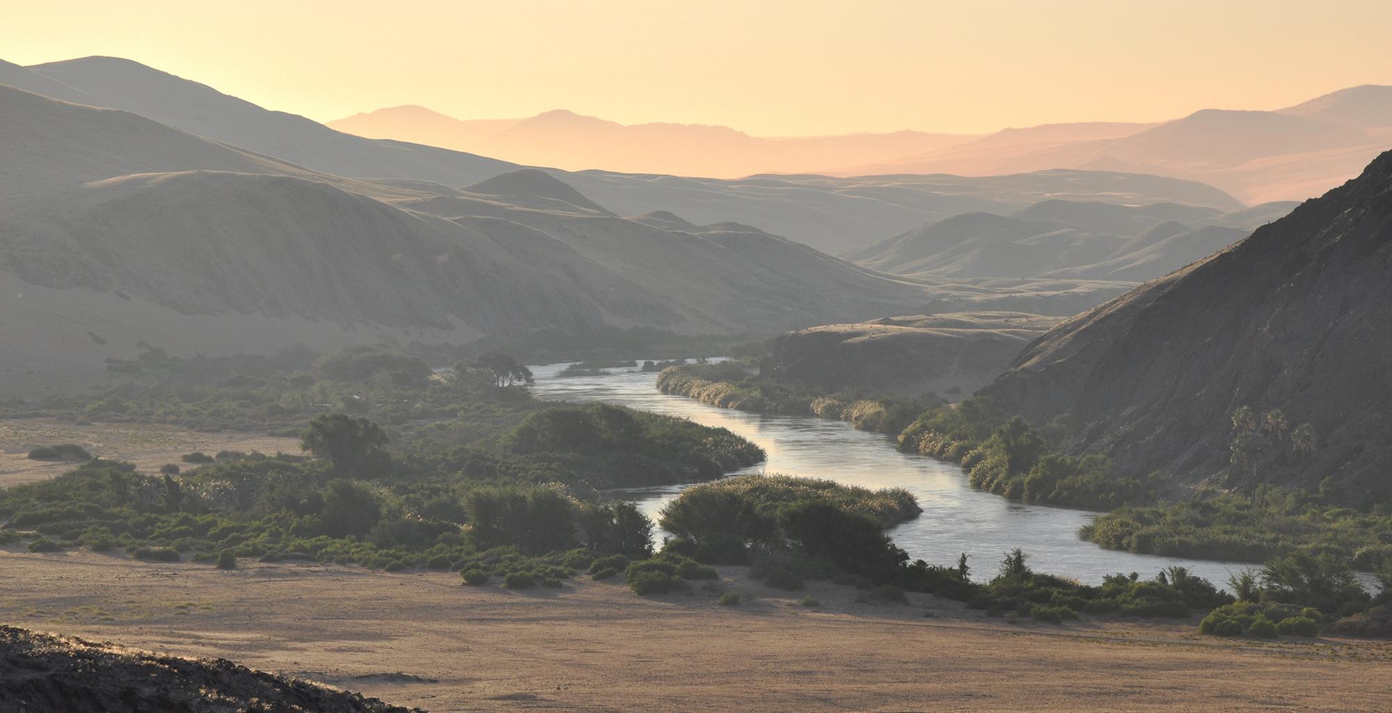 Namibia-Tracks-and-Trails-Etosha-Kunene-River