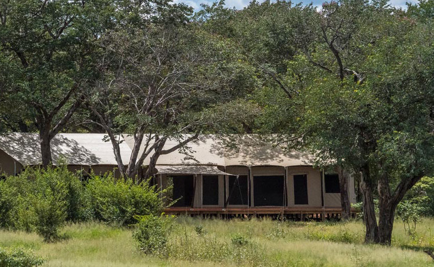 Varneys-Camp-Zimbabwe-Exterior