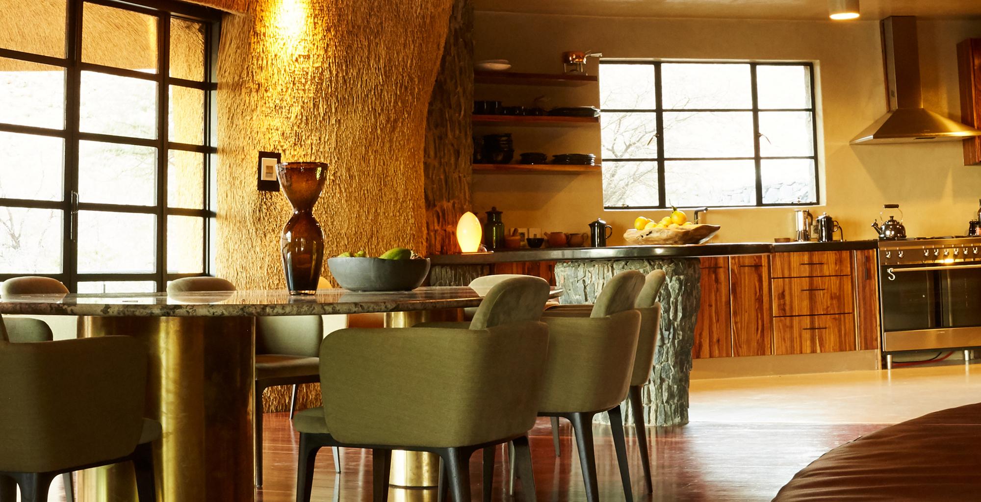 Namibia-Sossusvlei-Nest-Dining