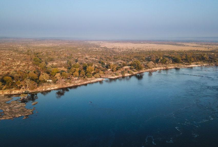 GPZimbabwe-MpalaJena-OverlookingZambezi