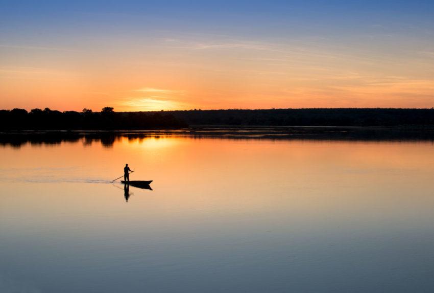 royal-chundu-zambia-mokoro-sunset