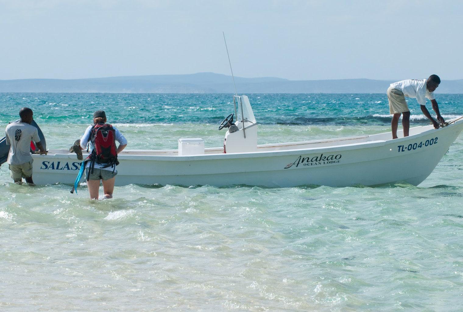 Anakao-Beach-Lodge-South-Madagascar-Boat